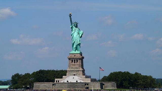 Miss Liberty, de noventa y tres metros de altura, ejecutada en hierro y revestida con trescientas hojas de cobre, la Estatua de la Libertad, sin duda, es un espectacular monumento uno de los símbolos de Nueva York Foto: Pixabay