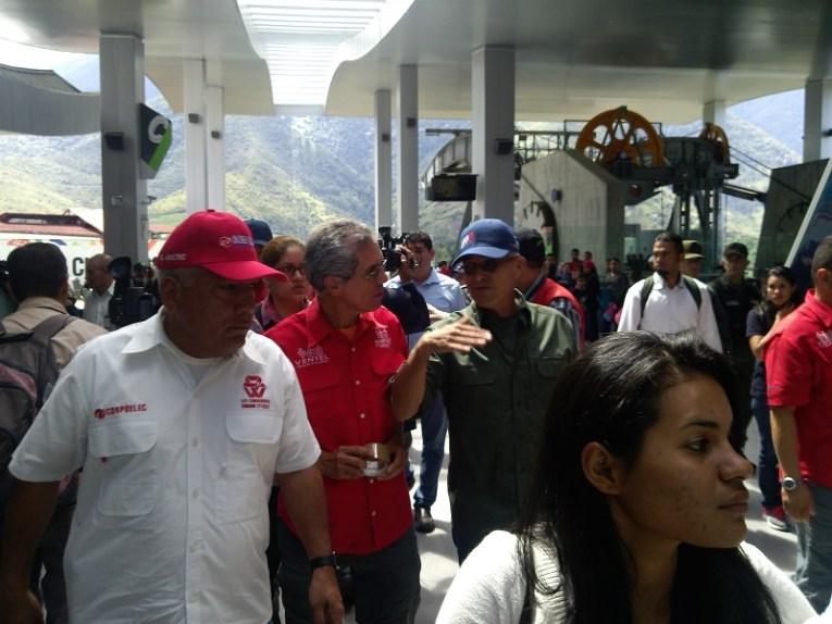 Por petición expresa del presidente Nicolás Maduro, el ministro Luis Motta Domínguez inspeccionó el teleférico de Mérida e inició investigaciones para determinar la causa de la falla eléctrica