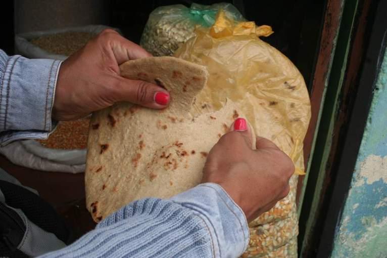 Esta es la arepa que tienen meses sin comer muchos habitantes de Timotes Fotos: Alfredo Molina