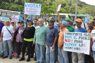 Candidato opositor arranca campaña en Vargas