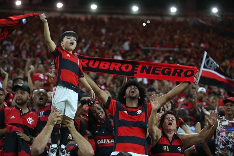 hinchada indpendiente copa sudamericana (1)