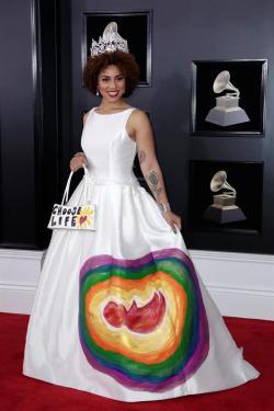 Joy Villa estuvo en la alfombra roja del Grammy
