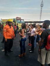 Apagado incendio en local del terminal Big Low Center en Carabobo