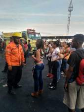Apagado incendio en local del terminal Big Low Center en Carabobo