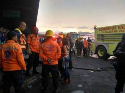 Apagado incendio en local del terminal Big Low Center
