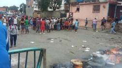 Protesta por bolsas Clap en Vargas