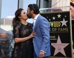 Eva Longoria junto a su esposo Jose Baston/ Foto: EFE