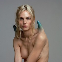 Andreja Pejić, diseño: The Pinnacle / Foto: Imstagram Proyecto A. Human