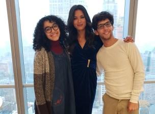 Ángela con sus compañeros de Betty en NY