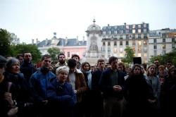 Vigilia en Notre Dame Foto: EFE
