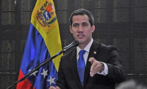 Presidente encargado Juan Guaidó se reunió con el Frente de Profesionales este jueves / Foto: Lisandro Casaña
