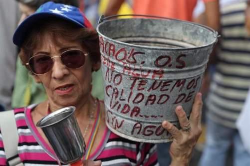 escasez, agua, servicios públicos, altos mirandinos, venezuela, crisis