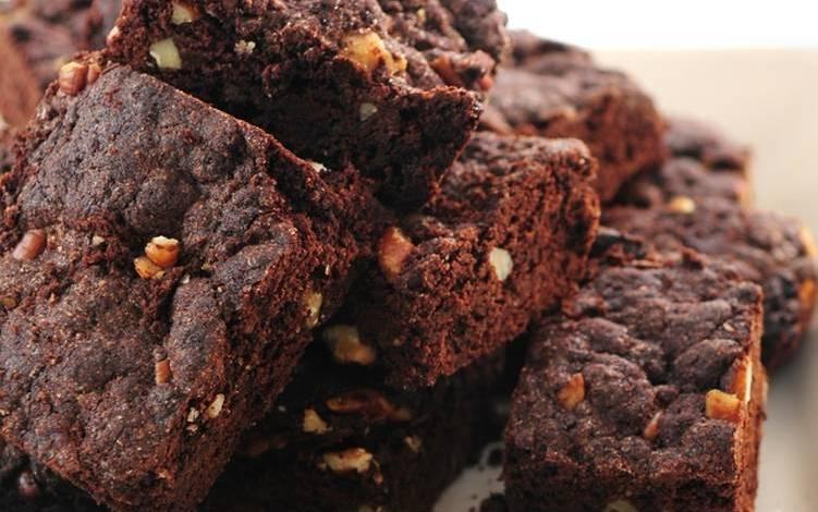 طريقة عمل براونيز الشوكولاتة الغنية