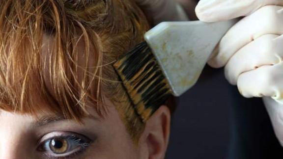 كيفية التخلص من صبغة الشعر على الجلد