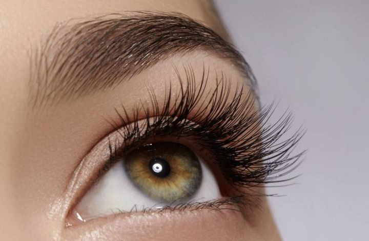 كيفيه تقوية رموش العين بالطرق الطبيعية