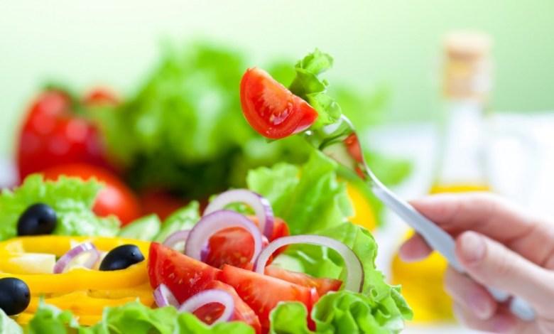 8 نصائح مدهشة تعلمك عادات صحية تجنبك تناول الكثير من الطعام