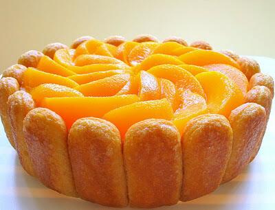طريقة عمل شارلوت روس البرتقال والخوخ