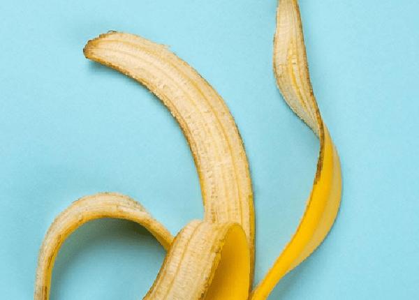 طريقة استخدام قشر الموز للشعر