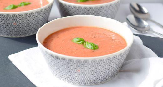 طريقة عمل شوربة الطماطم بالكريمة