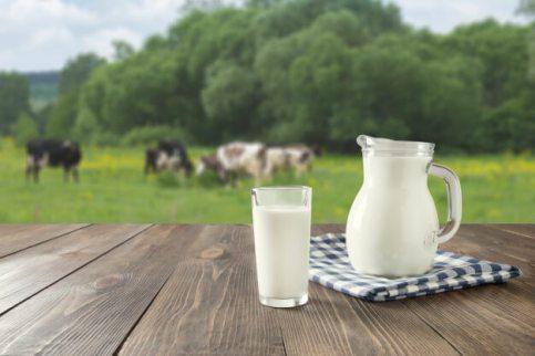 وصفة الحليب لتبييض الوجه