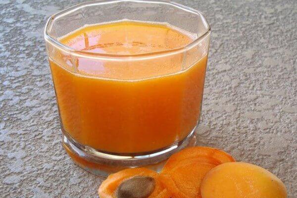 عصير المشمش والموز