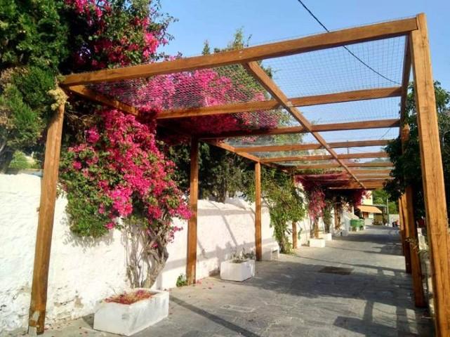 Άλλαξαν όψη ο δρόμος του Αγίου Νικολάου στο Μανδράκι και η πλατεία Πιαούλι  στη Νίσυρο - Anamniseis