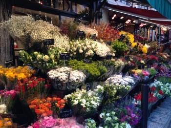 Muitos mercadinhos de flores pelo caminho...
