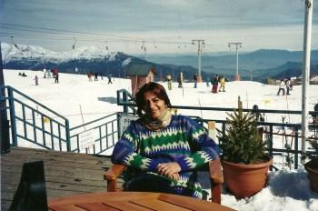 Em Colorado, tomando um vinhozinho enquanto os filhotes esquiavam...