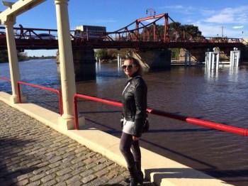 Ao fundo, a ponte giratória, uma bela obra da engenharia!
