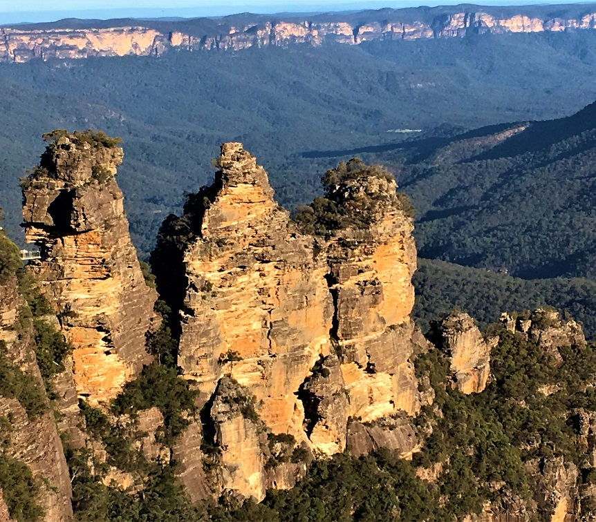 Three-Sisters-at-Echo-Point
