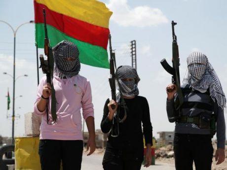Guerrilleras kurdas de las YPG. La mujer cumple un rol fundamental en la revolución impulsada por la izquierda en el Kurdistán.