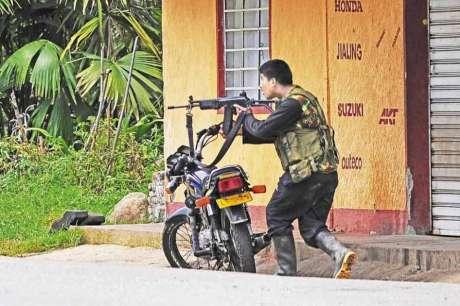 Guerrillero combatiendo en el Norte del Cauca