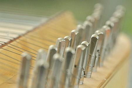 Nitramica Arts besitzt schon seit 2003 echte Streichpsalter - hier abgebildet ist der Altstreichpsalter, der seinerzeit noch individuell vom Instrumentenbauer Helmut Seibert erstellt wurde.