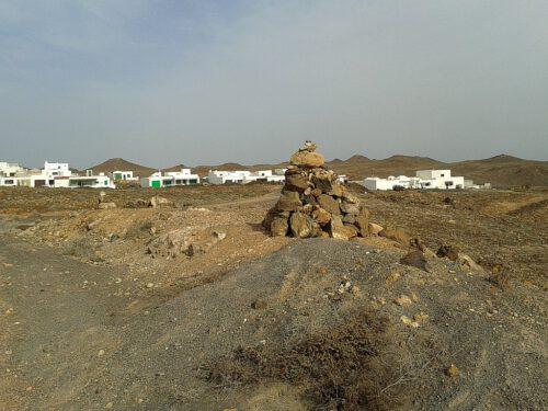 Jenseits der Touristenmetropolen trifft man auf ländlichere Kanarenarchitektur.