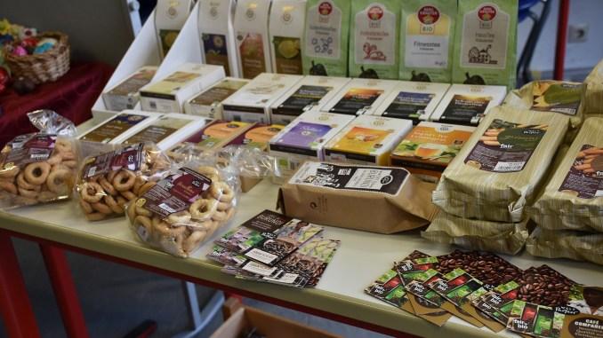 Beim Weltladenverkauf am 27. und 28. Februar wurden diesmal auch Kaffee und Tees vorgestellt (Foto: Martin Dühning)