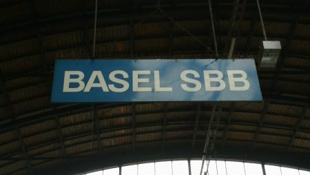 Basel Schweizer Bahnhof (Foto: Martin Dühning)