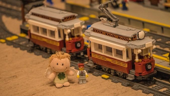 Vizekönigin Luisa Amiratu mit den neuen Straßenbahnwagen für die Linie Ventadorn - St. Margarita (Foto: Rosa Dudelspru)