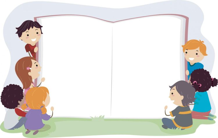 Des enfants qui tiennent un livre