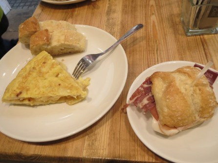 Spanish omelette and iberian ham sandwich thingie for breakfast at the cosy cafe across the road from our accommodation