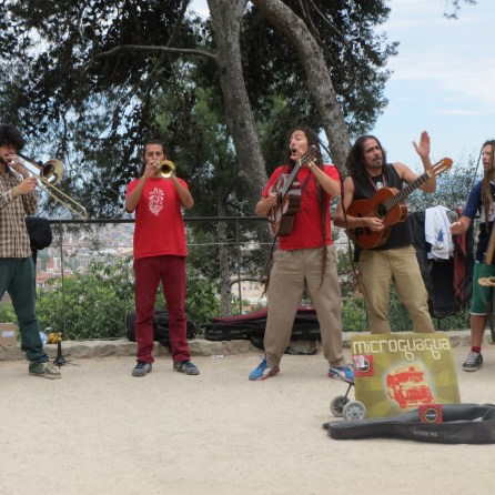 Excellent Spanish buskers at Park Guell