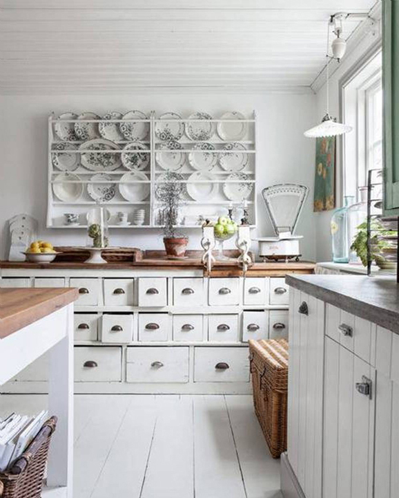 photo01-white-colour-scheme-for-shabby-chic-kitchen-ideas
