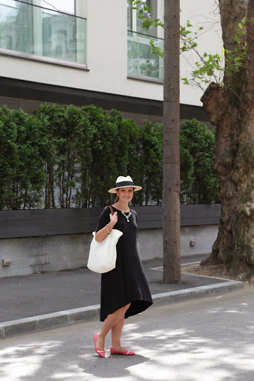 rochie neagra de gravida