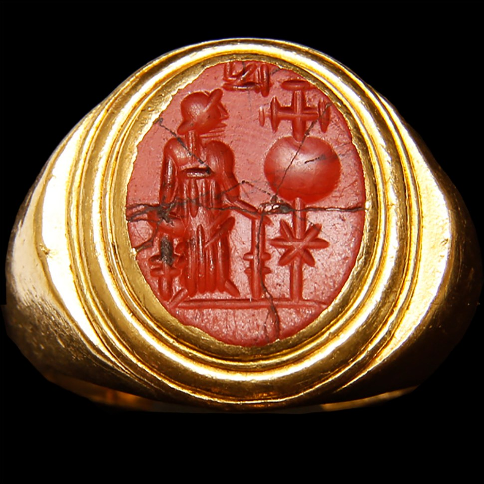 byzantine-intaglio-with-empress-helena