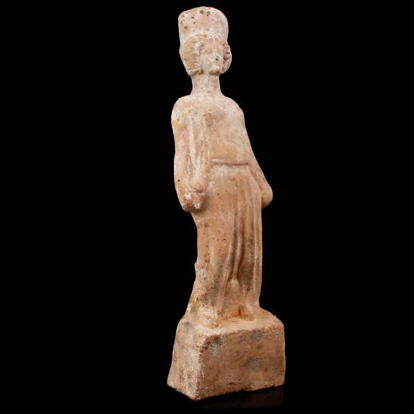 Greek Boeotian Statuette