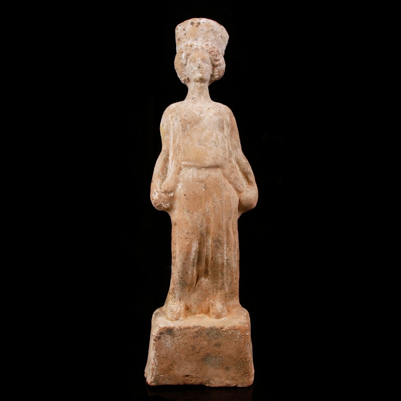 Greek Boeotian Statuette