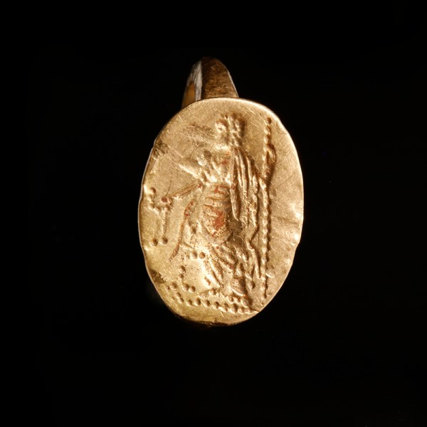 Late Hellenistic Gold Seal Ring