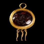 Roman Gold and Garnet Pendant with Intaglio