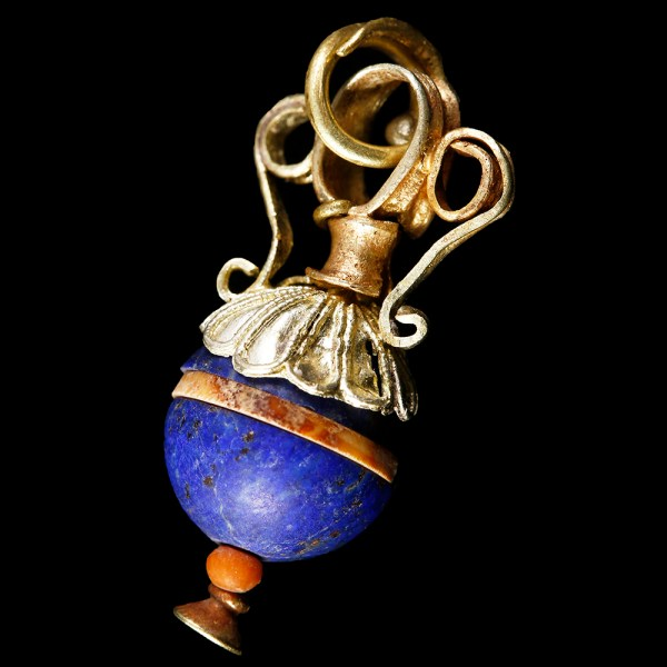 Eastern Greek Electrum and Lapis Lazuli Pendant