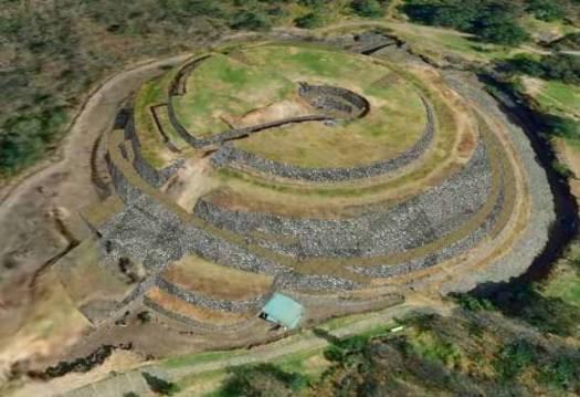 Vista aérea de la pirámide de Cuicuilco