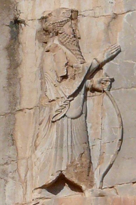 Bajorrelieve con la figura de Jerjes I de Persia en su tumba de Naqsh-e Rustam. (CC BY-SA 2.0)